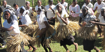 Girls in Kenya Dancing